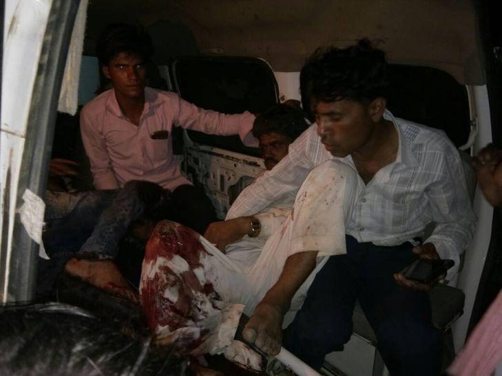 स्पीड ब्रेकर पर अनियंत्रित कार बाइक से भिड़ी, एक की मौत