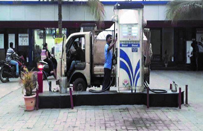 'कोड' दबाते ही शुरू हो जाती पेट्रोल चोरी, इस हाईटेक तरीके से ठगे जा रहे उपभोक्ता