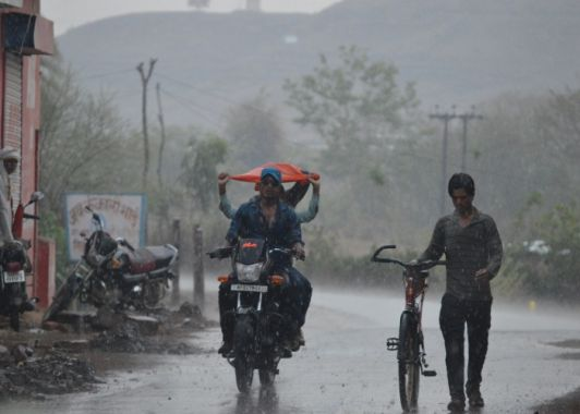 उत्तर बिहार में मोरा के असर से अच्छी बारिश के आसार