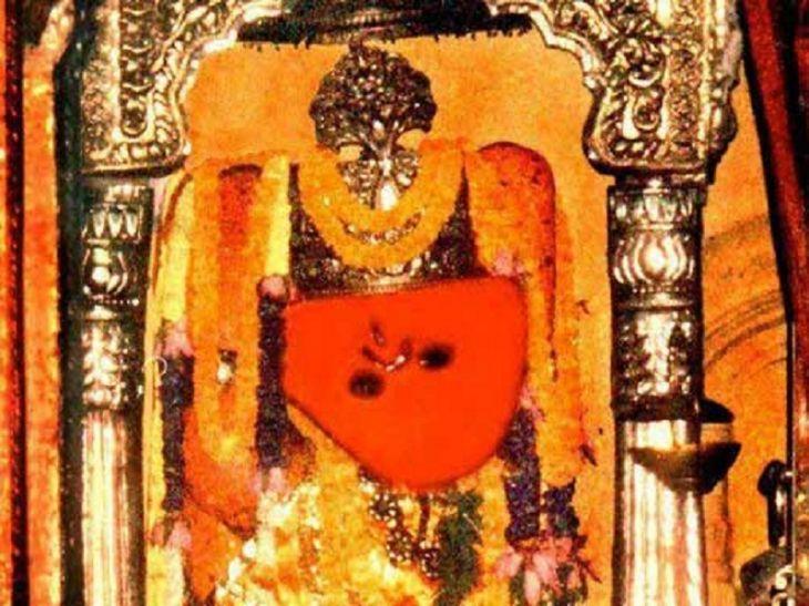 प्राचीन मंदिरों में से एक है संकटमोचन मंदिर, दर्शन मात्र से दूर होता है कष्ट