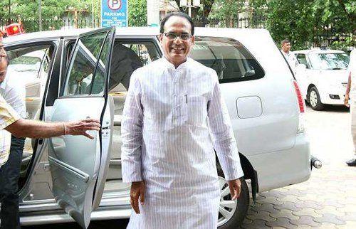 सीएम शिवराजसिंह चौहान समेत चार मुख्यमंत्री और 25 मंत्री शामिल इस इस नेता की बर्थ-डे पार्टी में