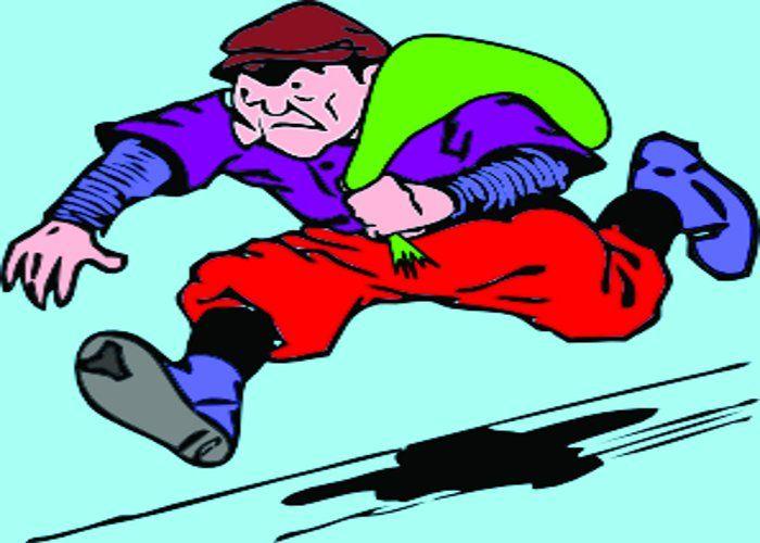 लड्डू बैग में छोड़ आभूषण लेकर चंपत हुआ चोर