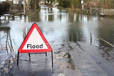 गांव और शहर में बाढ़ से निपटने प्रशासन ने बनाया प्लान