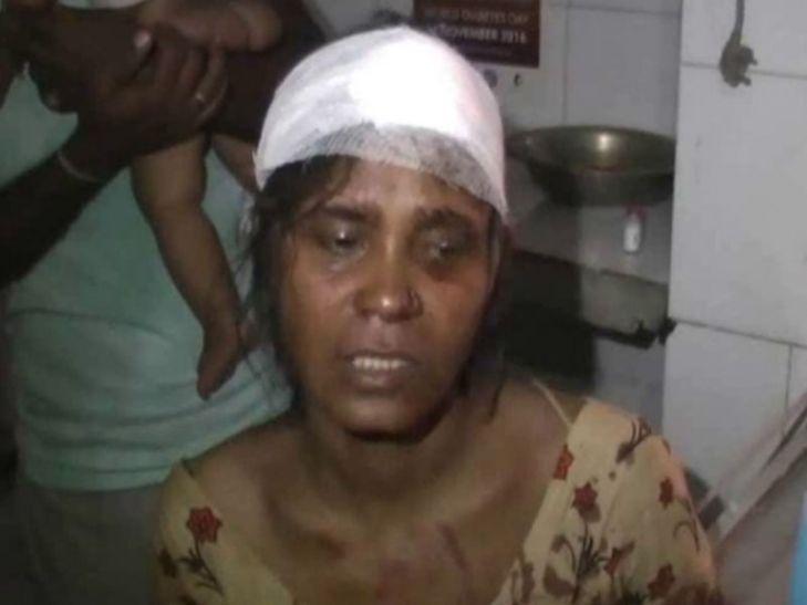 जीआरपी के सामने शोहदों ने महिला को बेरहमी से पीटा