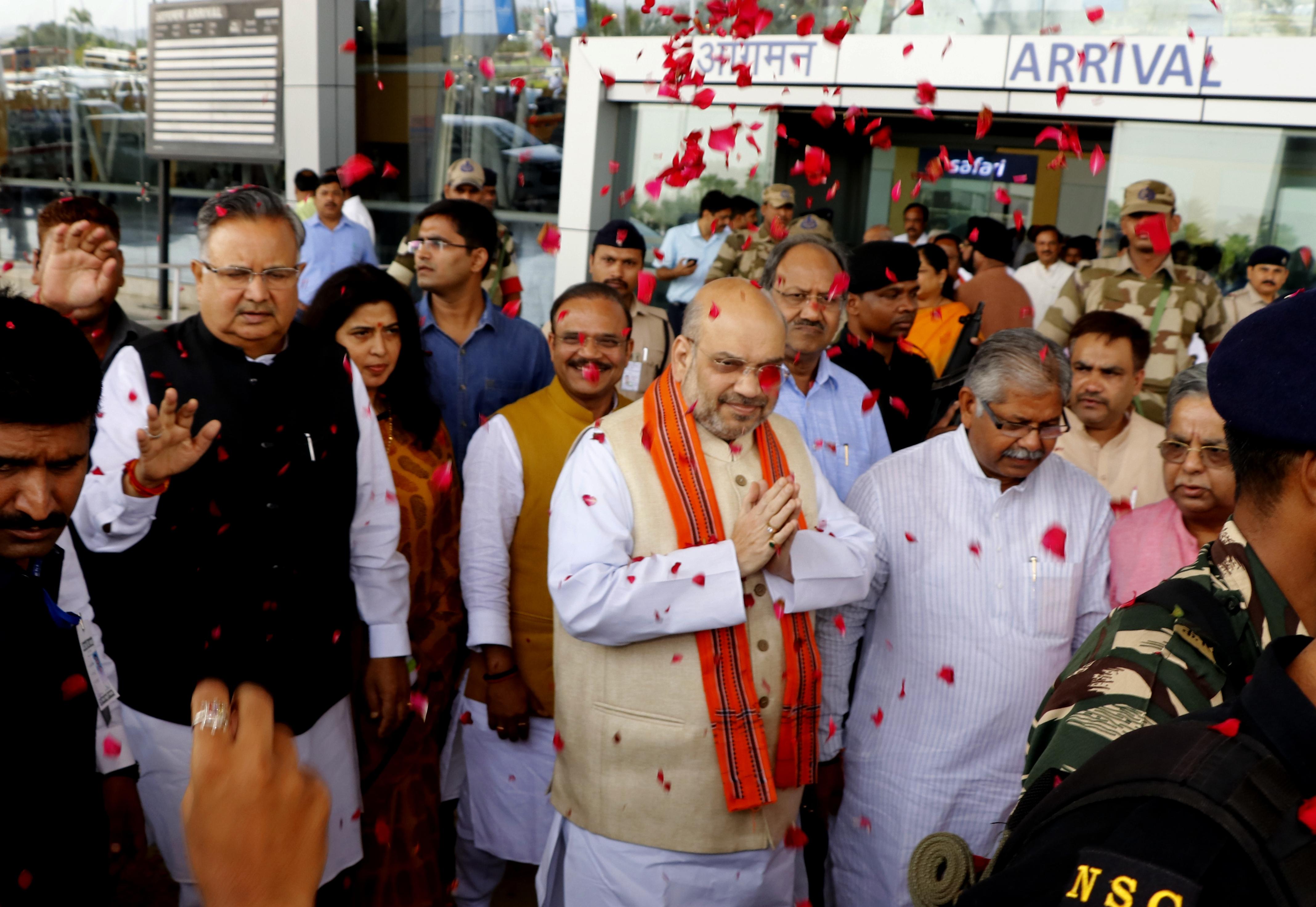 बीजेपी अध्यक्ष अमित शाह का रायपुर में  ऐसे हुआ स्वागत, देखें PHOTO