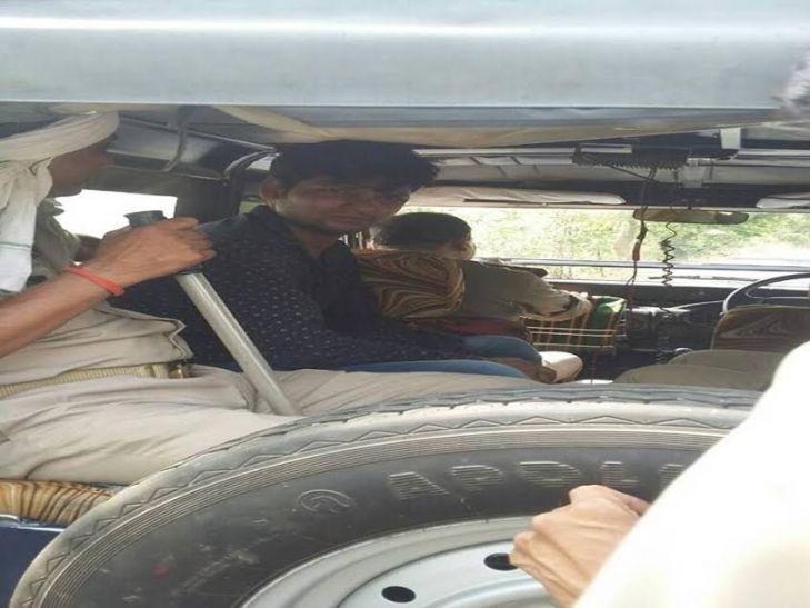 मुस्लिम युवकों ने लड़की को बदमाशों से छुड़ाने का किया प्रयास तो पुलिस ने उनके साथ किया ये बर्ताव