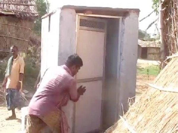 फेल हुआ मोदी का स्वच्छता मिशन, बिना सीट की शौचालय बनाकर लाखों का गोलमाल