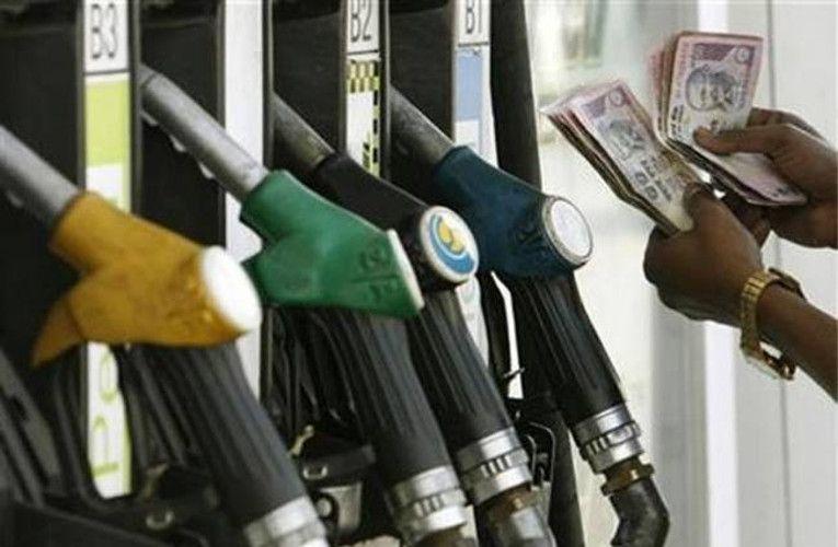 एक SMS से जानें आपके जिले में किस रेट पर मिलेगा डीजल-पेट्रोल