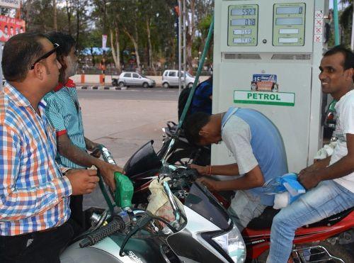16 जून से प्रतिदिन बदलेंगी पेट्रोल-डीजल की कीमतें, ये आ रही समस्याएं..जानिए