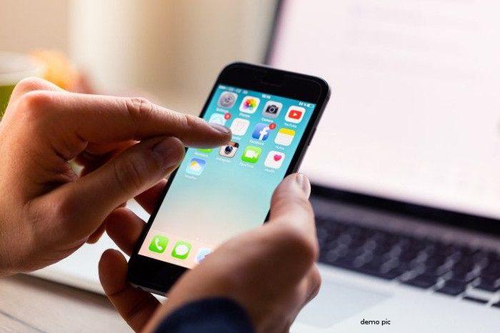 मोबाइल सर्विस प्रोवाइडर उपभोक्ताओं के साथ कर रहे धोखा