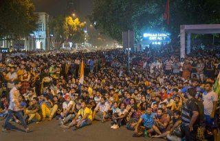 कोहली के आउट होते ही क्रिकेट प्रेमियों ने कहा मैच था फ़िक्स, जडेजा पर उतारा गुस्सा