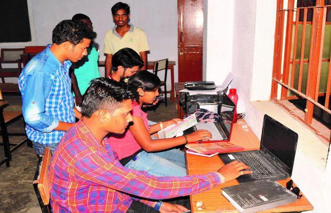 कोरबा के 12वीं पास पांच हजार छात्रों को जिले से बाहर जाना पड़ेगा