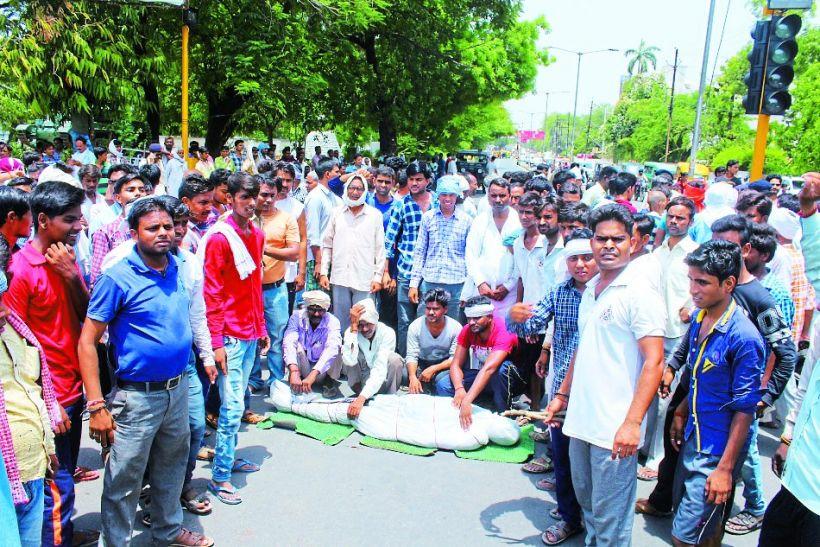 कूलर में करंट से किसान की मौत