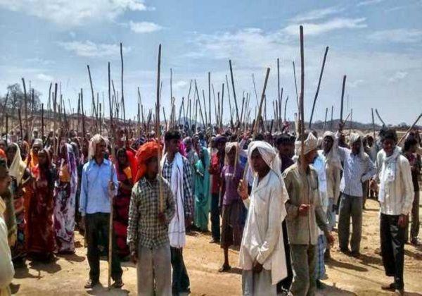 यूपी के मिर्जापुर में जमीन को लेकर विवाद, गांव में तनाव