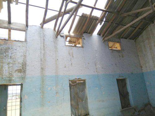 प्रवेशोत्सव : एक साल से उड़ी छत, यहां पढ़ेंगी भांजियां