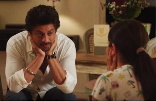 शाहरुख ने अनुष्का से कहा- लड़कियों के मामले में उनका 'कैरेक्टर खराब' है, देखें वीडियो