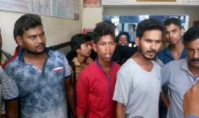 ज्ञानपुर रोड रेलवे स्टेशन पर यात्रियों का हंगामा, मची अफरातफरी