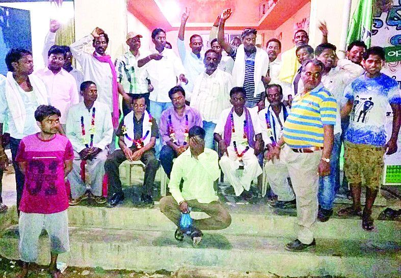भाजपा समर्थकों ने सहकारी समिति के चुनाव में मारी बाजी