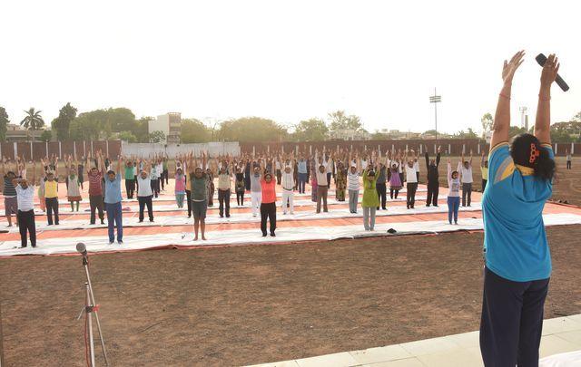 #International_Yoga_Day_2017 -फोटो में देखे रतलाम में आज क्यों मनाया योग दिवस