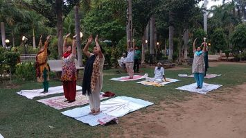 International Yoga Day : पांच हजार लोग एक साथ LNIPE में करेंगे योग