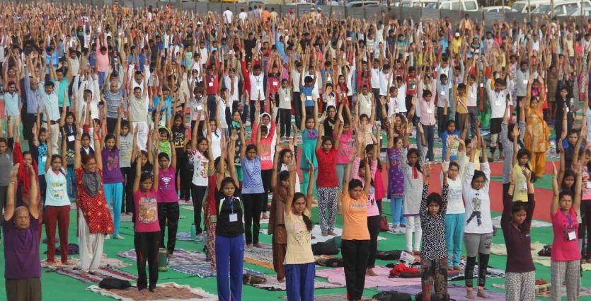 अंतरराष्ट्रीय योग दिवस पर परेड ग्राउंड में 12 हजार लोग करेंगे योग