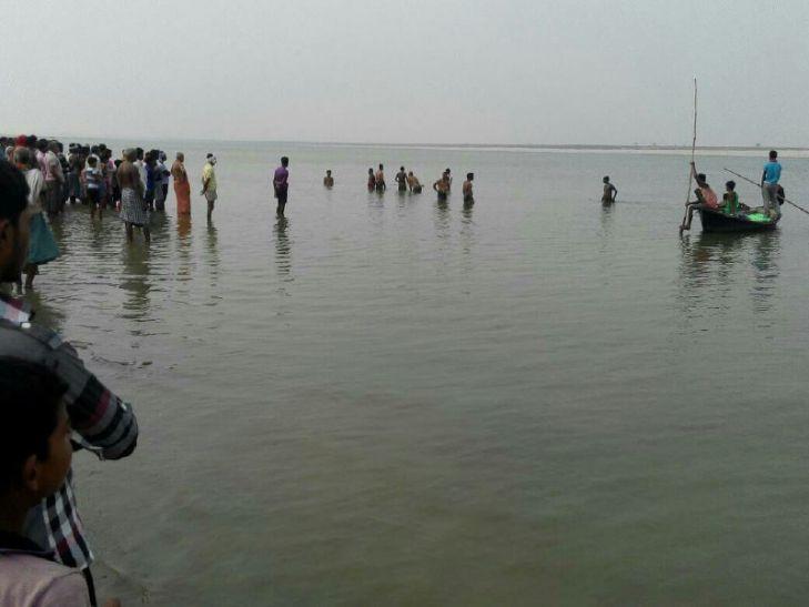 एकादशी पर्व पर गंगा स्नान करने गये एक ही परिवार के तीन लोगों की डूबने से मौत
