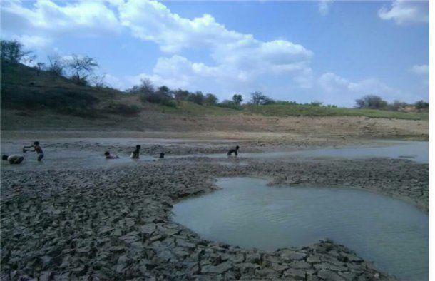दूषित पानी... जल संकट - बन रहा लोगों की स्वास्थ्य समस्या