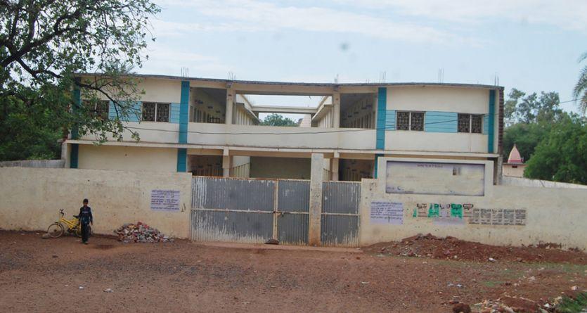 नियम सख्त, 75 से अधिक स्कूलों की मान्यता खतरे में