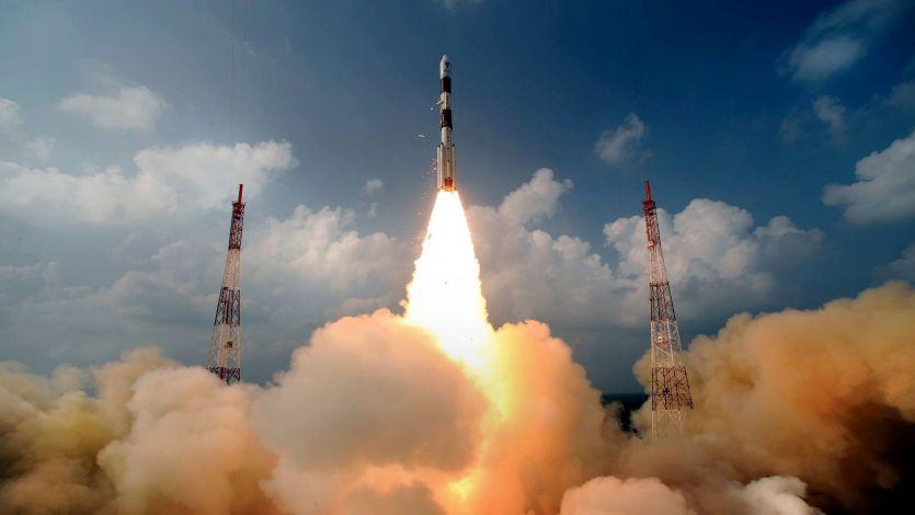 ISRO ने फिर रचा कीर्तिमान, 31 सैटेलाइट को किया एक साथ लांच