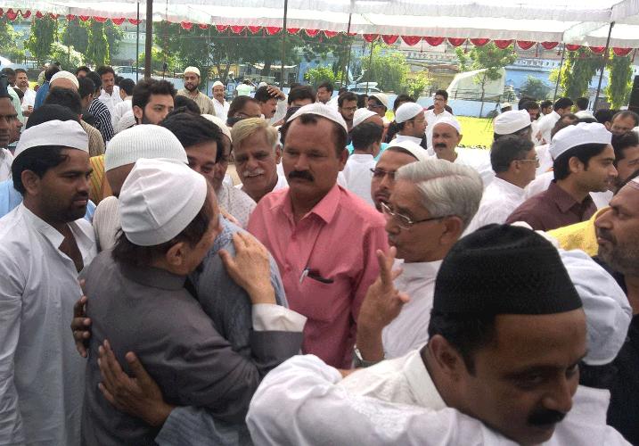 हो गया ऐलान, देश भर में सोमवार को मनाई जाएगी ईद