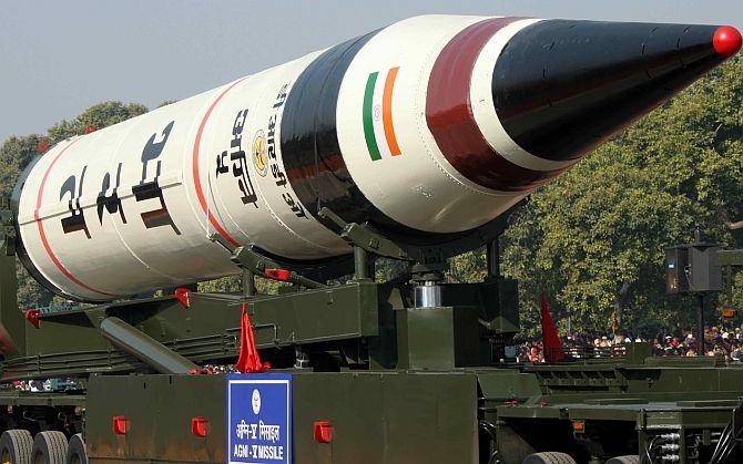अग्नि-5 मिसाइल सिर्फ धमाका ही नहीं करेगी, उपग्रह भी ले जाएगी