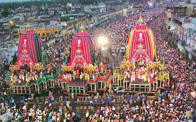 गुंडिचा पहुंची महाप्रभु जगन्नाथ की रथयात्रा,रथ खींचने के लिए उमड़े भक्त