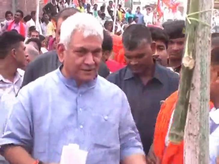 केन्द्र व प्रदेश सरकार की चल रही योजनाओं को जन- जन तक पहुंचायें कार्यकर्ता- मनोज सिन्हा