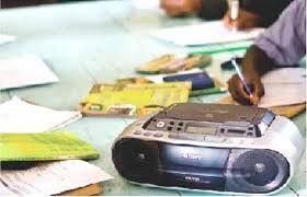 रेडियो के माध्यम से अंग्रेजी बोलना सीखेंगी सरकारी स्कूल की छात्रायें