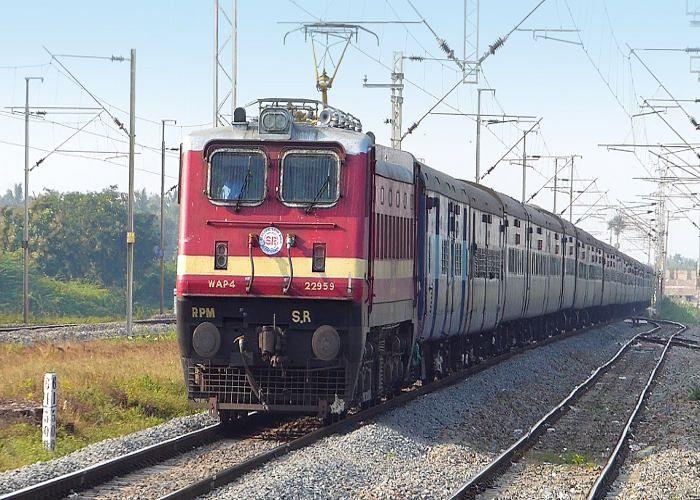 रेलवे ने यात्रियों को दी नई सौगात, आज से बदले कई नियम