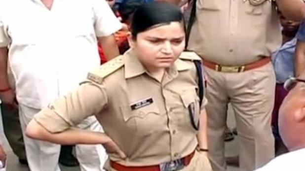 बुलंदशहर में बीजेपी नेता को जेल भेजने वाली महिला पुलिस अधिकारी का ट्रांसफर