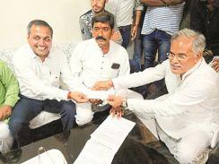 सालभर कयासों के बाद शैलेष कांग्रेस में, एक्टिव कोटा में नाम चल रहा बिलासपुर में