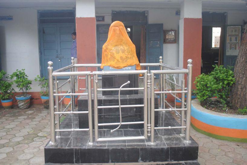 मातृभूमि की रक्षा के दिए प्राण, स्कूल में सैनिक की लगेगी प्रतिमा