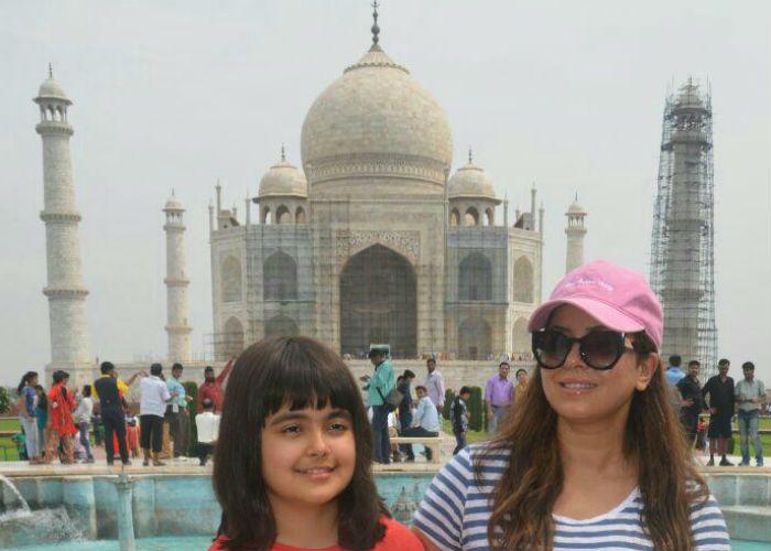 बॉलीवुड अभिनेत्री के साथ सिंगल मदर हैं ये, बेटी साथ पहुंची ताज