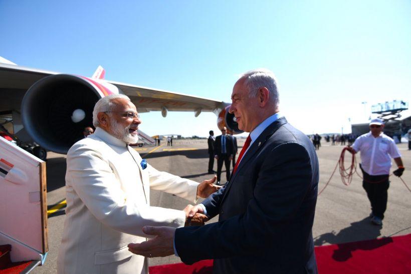 गलबहियों की गर्माहट में परवान चढ़ती भारत-इजराइल की दोस्ती