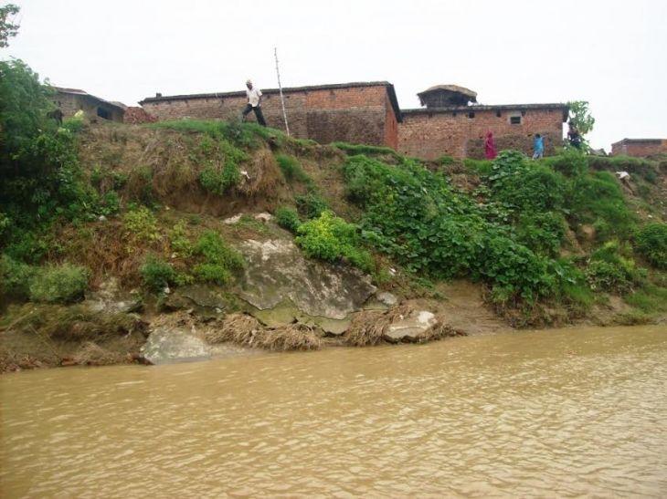 नेपाल के पानी से यूपी में दहशत, कटान से गांव के अस्तित्व पर खतरा