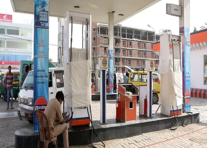 पेट्रोल पंप गड़बड़ी के मामले में बड़ी कार्रवाई, बाराबंकी जिले मेंमचा हड़कंप