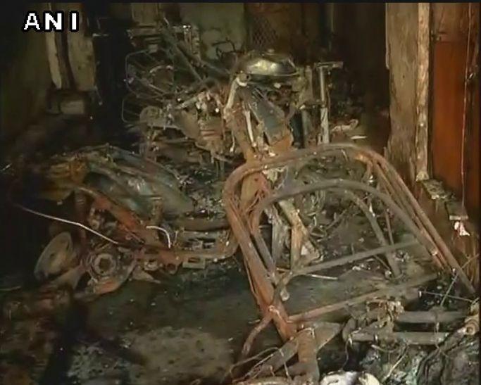 दिल्ली: गम में तब्दील हुई बर्ड-डे की खुशियां, आग से एक ही परिवार के 4 लोगों की मौत