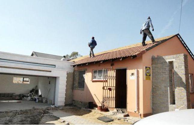 बिल्डरों को सस्ते मकान के लिए जमीन और पैसा देगी सरकार