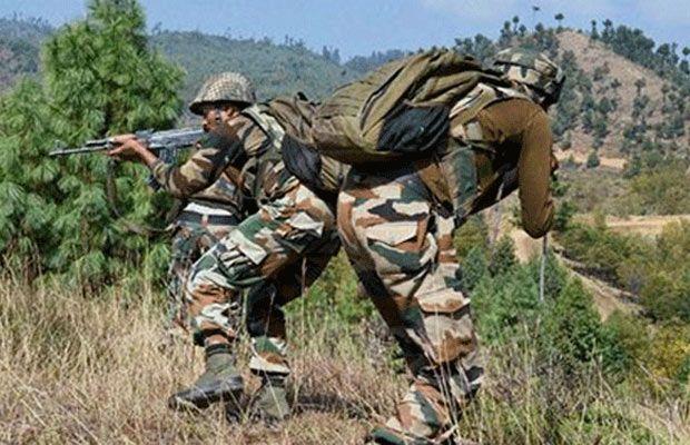 कश्मीर में सुरक्षाबलों पर आतंकी हमला, LoC पर पाक गोलाबारी में दो की मौत