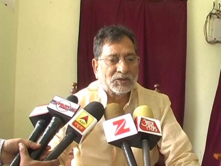 सपा नेता रामगोविंद चौधरी ने मोदी को बताया तानाशाह, कहा- लालू से डर गई है बीजेपी