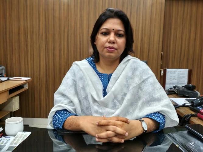 डीएम शुभ्रा सक्सेना ने सिस्टम के कसे पेंच, रात 9 बजे अधिकारियों से करेंगी समीक्षा