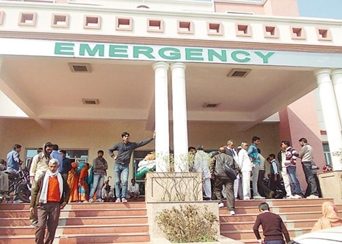कन्नौज मेडिकल कॉलेज में नहीं हैं डॉक्टर, मरीजों को भुगतना पड़ रहा है खामियाजा