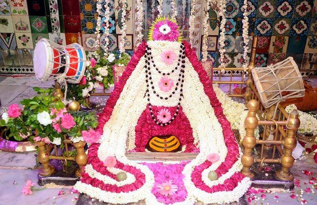 Shravan Month 2017: अष्टमी लेकर आया दूसरा सोमवार, राशि के मुताबिक पूजन करने से बनेंगे सारे काम