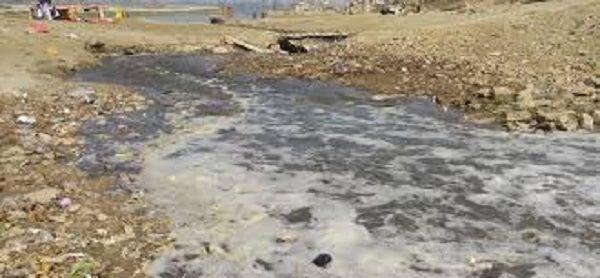 मथुरा गोकुल बैराज में प्रदूषण, HC ने जांच रिपोर्ट पेश करने के दिये निर्देश